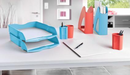 Holen Sie Farbe auf den Schreibtisch, z. B. mit den Loop-Büroaccessoires von HAN